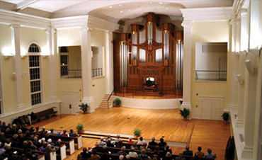 Accommodated a handcrafted pipe organ and converted a historical place of worship into a concert hall.